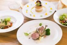 ランチAコース メインは魚料理か肉料理かをお選び頂けます