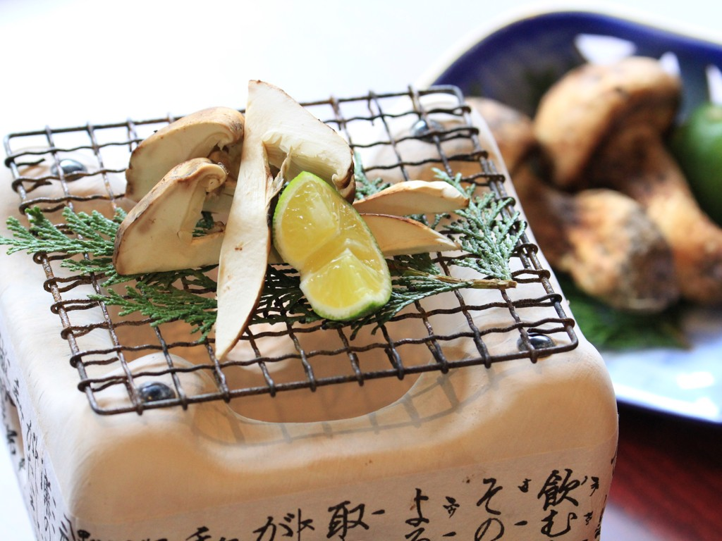 「松茸の土瓶蒸し、焼松茸、松茸ご飯」を楽しめる新プラン