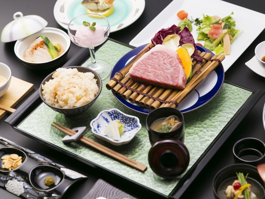 佐賀牛ロースステーキと懐石料理