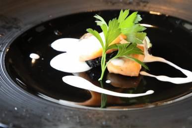 秋鮭と秋茄子の一塩焼き ヨーグルトソース
