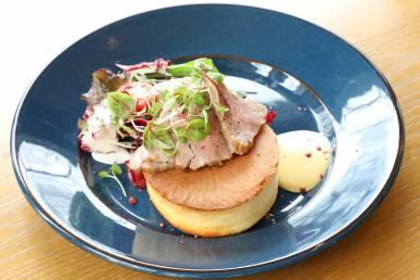 佐賀牛のローストビーフパンケーキ 1500