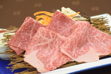 佐賀牛すき焼き  季節野菜  嬉光卵  五島うどん