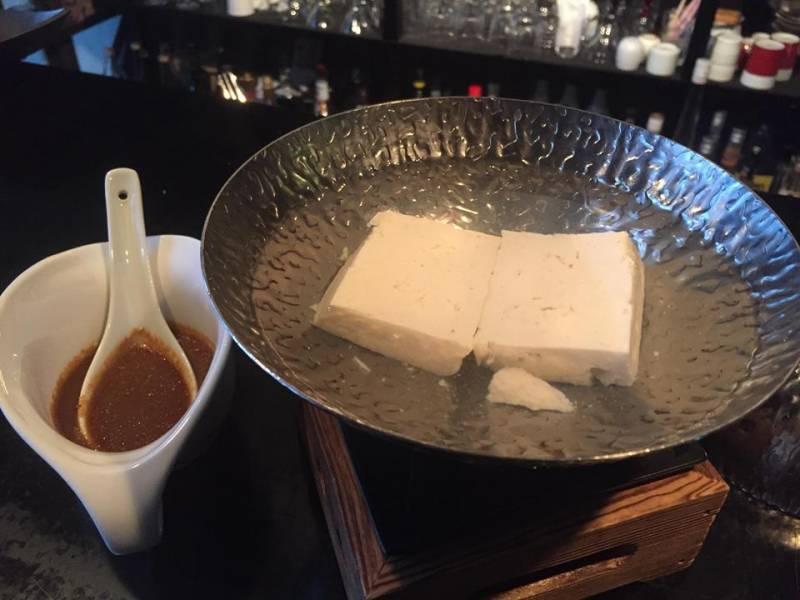 温泉湯豆腐 自家製ごまだれ