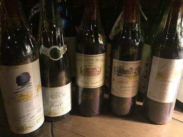 約100品のワインを準備しております