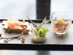 【お造り】針魚姿造り・初鰹柚子風味・縞鯵焼霜造り