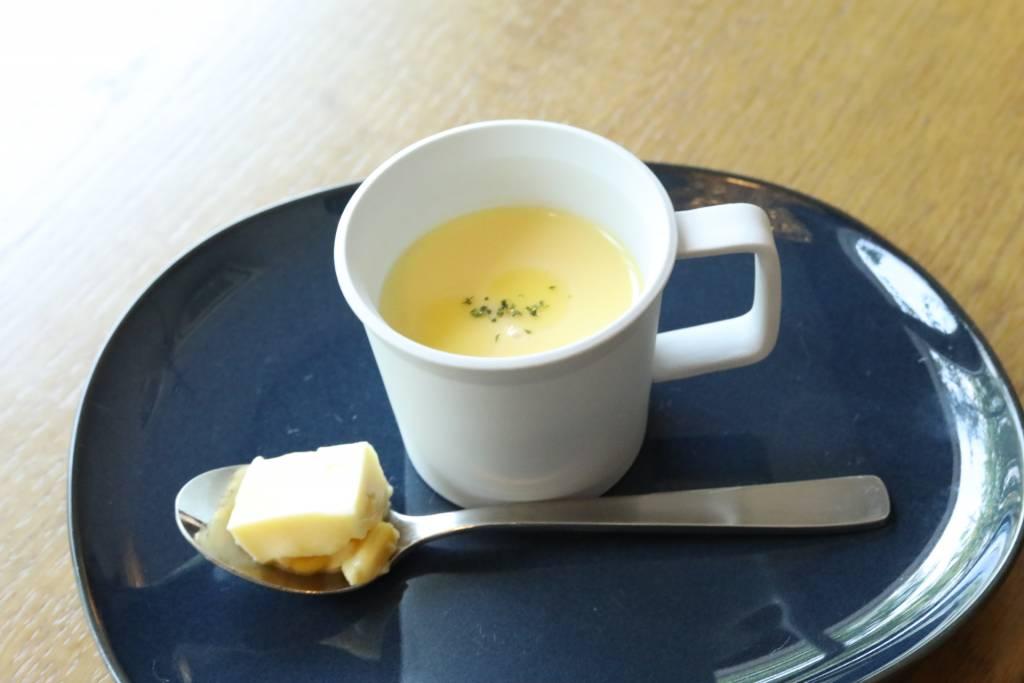 トウモロコシの冷静スープ~ブランマンジェを添えて~