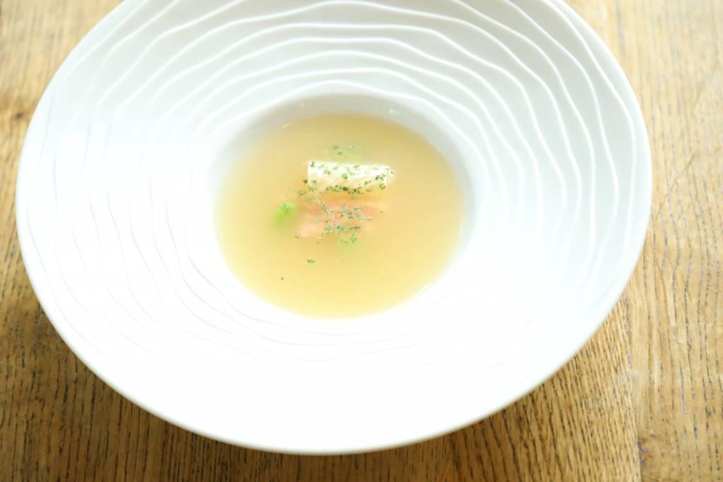 冬瓜の冷製スープ~ズワイガニ、枝豆、生湯葉~