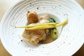 有田鶏のフリカッセ~ジャガイモロースト、季節野菜~