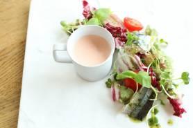 秋刀魚の軽い炙り~トマトムース、彩りサラダ~