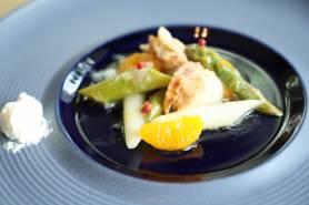 ベビーホタテとアスパラガスのマリネ~柚子胡椒クリーム、みかん~