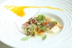 (一例)魚料理:白身魚のソテー~豆乳、海の幸、パッションフルーツ~