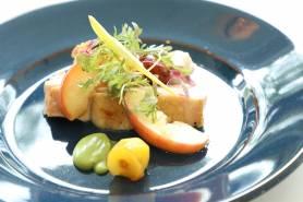肉料理:有田鶏のロースト~栗、リンゴ、グリーンマスタード~