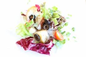 ジャガイモの温製サラダ~4種のチーズ、プチバジル~