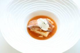 前菜:嬉野豆腐のポシェ ~マグレ鴨、アメリケーヌソース~