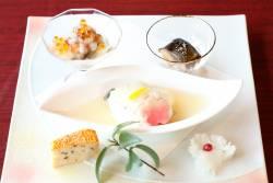 茶降り海鼠霙和え 鯖薯蕷蒸し 鰊甘露煮 鶏松風焼き
