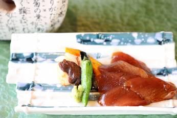 漬け鮪の炭火焼き 山葵 野菜三種