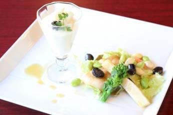 花キャベツのムースとミル貝・筍・菜の花のサラダ