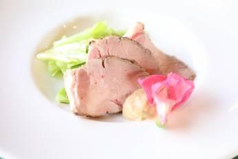 豚のしっとり焼き 春キャベツ ~もろみ味噌のソースで~