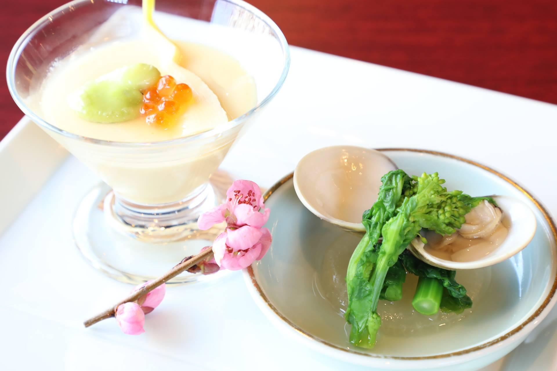蛤と菜の花と大根 筍とお多福豆のロワイヤル仕立て