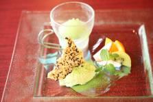 嬉野抹茶のババロア  ~アイスと季節の果物を添えて~